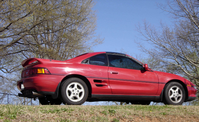 MR2 right side